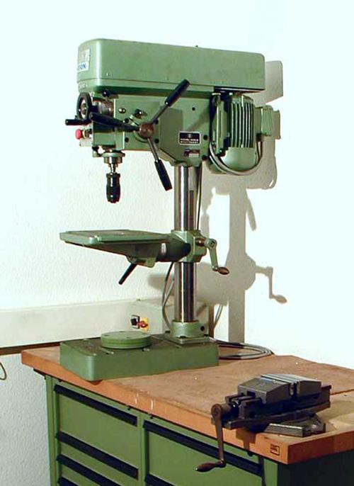 285 75 16 >> Ixion Standbohrmaschine - DEGO Medizin-Elektronik